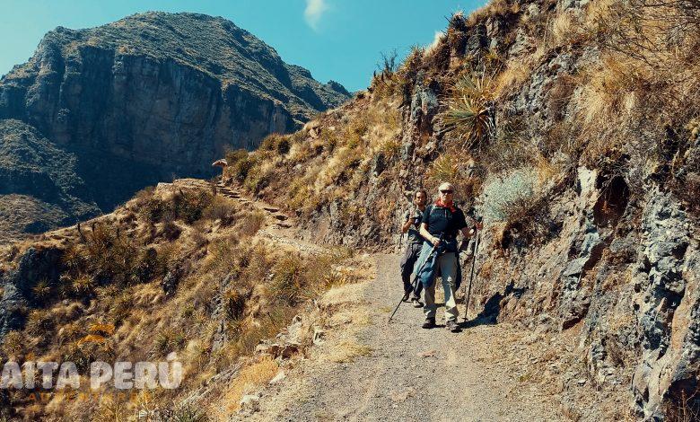 huchuy-qosqo-trek-aita-peru-tours