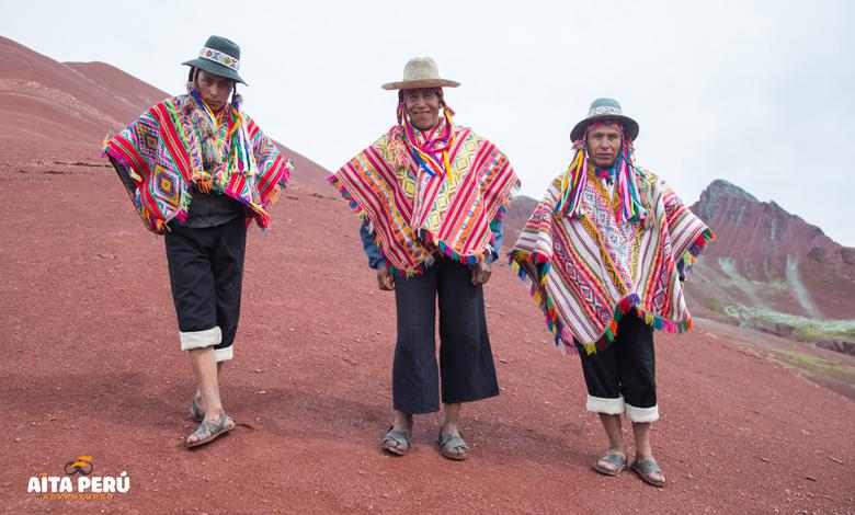 rainbow-mountain-people